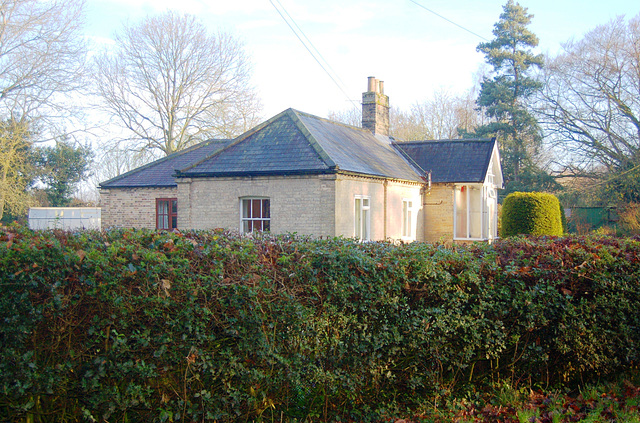 The Grove. Frostenden. former lodge (3)