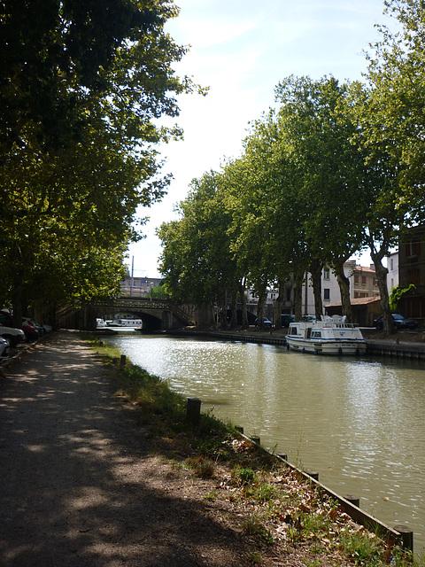 Sur les berges du Canal à Carcassonne