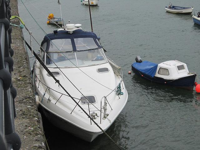 Fancy yacht in Appledore