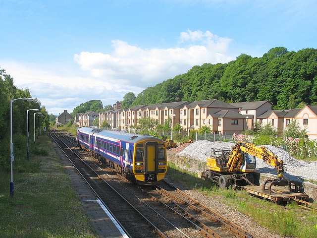 158714 approaches Dingwall station