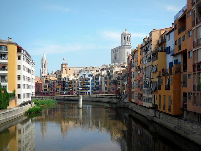 Cases Penjades - Girona - Catalunya