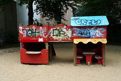 spielplatz-huette-1160972