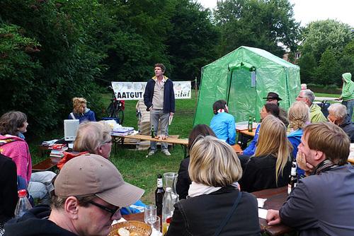 Vortrag von Harald Lemke beim KEBAP Fest -- vortrag-1160615