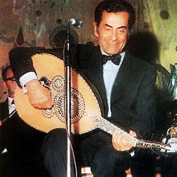 Farid El Atrache interprète au Oud : Takaseem