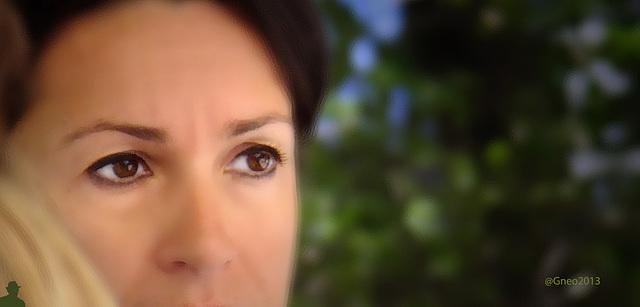 ...les yeux...