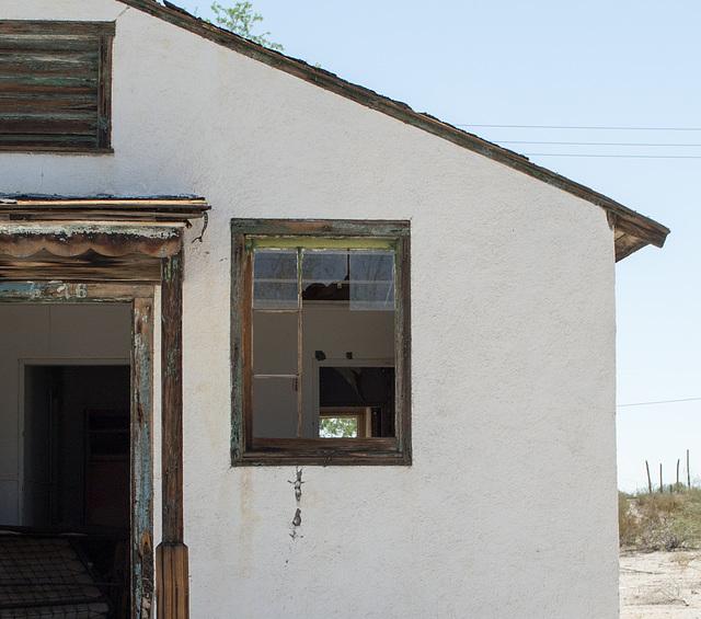 Desert Center, CA (0631)