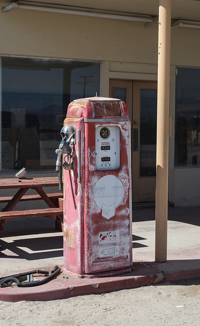 Desert Center, CA (0621)