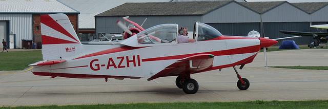 Victa Airtourer G-AZHI