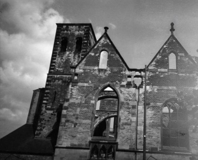Ruined Church, Ruined Photo
