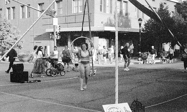 Longmont Street Fair - Acrobat