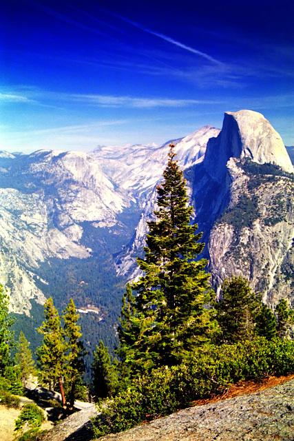 Yosemite NP, Glacier Point Vista I, Aug. 1985 (060°)