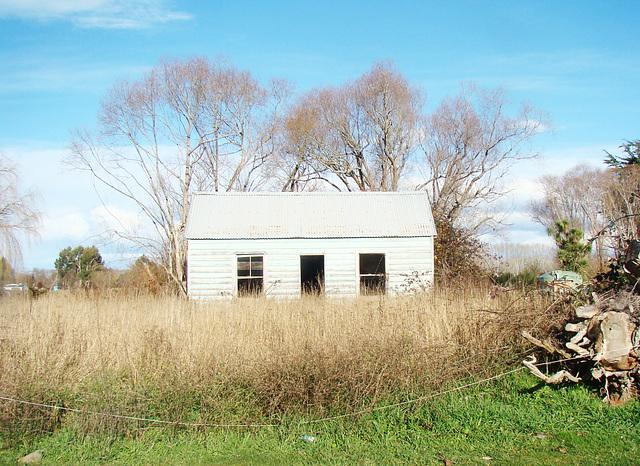 Abandoned house, Arowhenua.