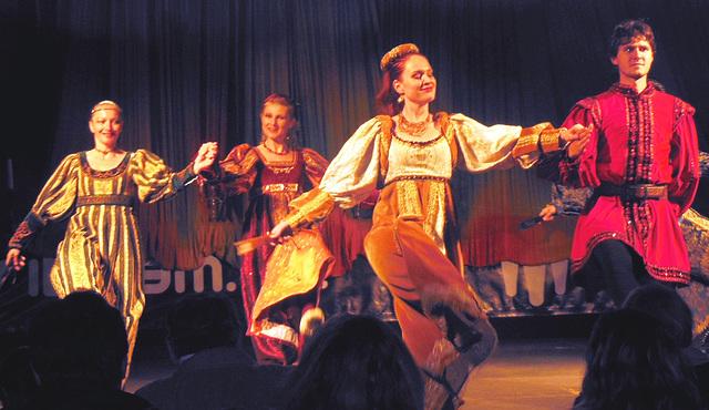 Renesanca dancgrupo Animata  (2)