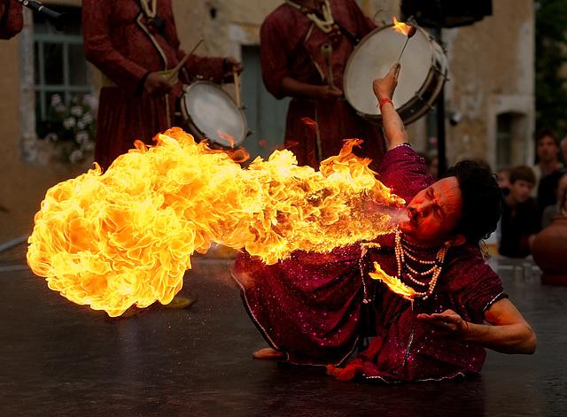 Fire breathing - Cracheur de feu (on EXPLORE)