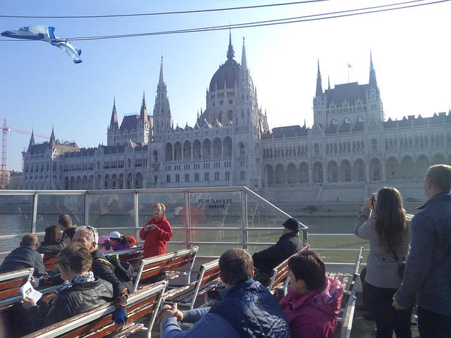 La Konstruaĵo de Hungara Parlamento