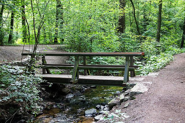 20140520 3400RAw [D~DU] Bachbrücke, 6-Seenplatee, DU-Wedau