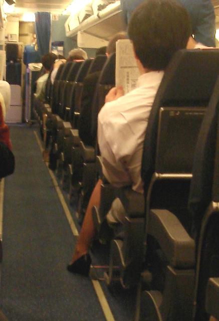 Déesse de KLM en talons hauts / KLM Goddess in high heels.