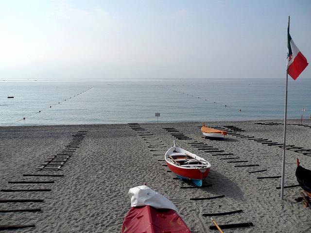 spiaggia di primo mattino