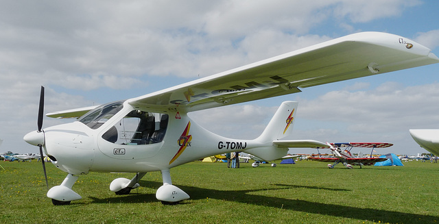 Flight Design CT2K G-TOMJ