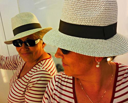 Mademoiselle A - Jolie Dame Ipernitienne /Lady A - Beautiful Ipernity hatter Lady.