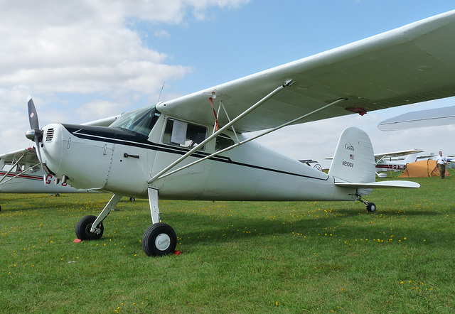 Cessna 120 N2106V