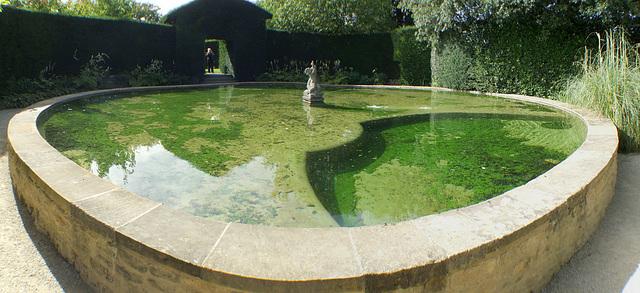 Pond at Hidcote Manor (Panorama)