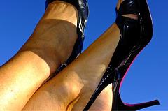 Mon amie Sylvaine en talons hauts / My friend Sylvaine in high heels.