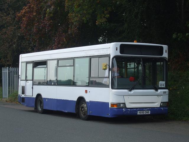 DSCF5971 Meridian Bus V899 DNB in Wellingborough - 18 Sep 2014