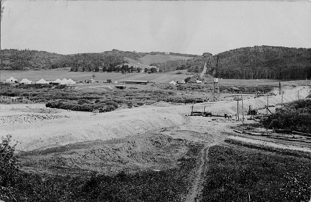 [Dam construction, Minnedosa, Man.]