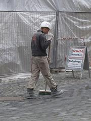 Naumburg 2013 – Sweeping the street