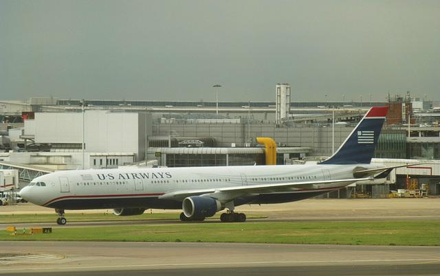 N271AY at Heathrow - 26 September 2013