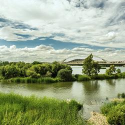 Desde el puente romano de Emerita Augusta (Mérida) el Guadiana con el puente de Calatrava.