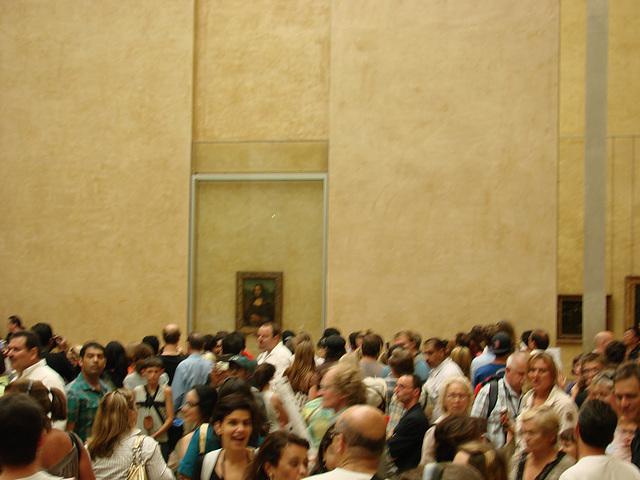 Foule devant Mona Lisa