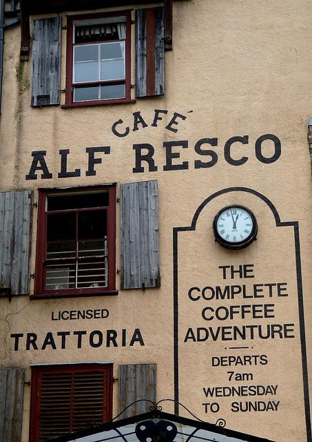 Alf Resco!