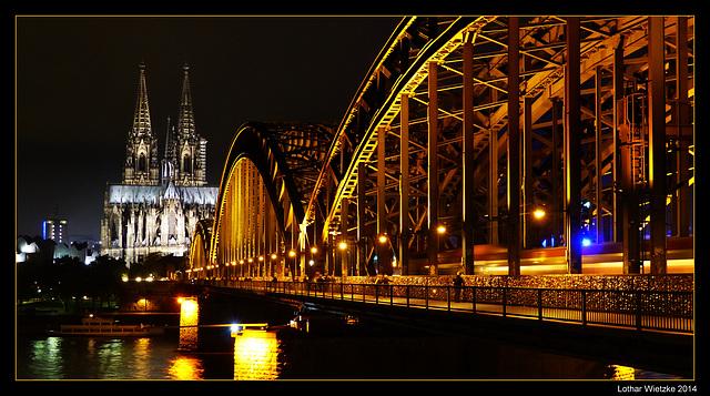 Köln - Hohenzollernbrücke und Dom am Abend