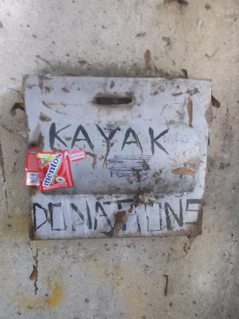 Kayak donations / Dons kayakiens.