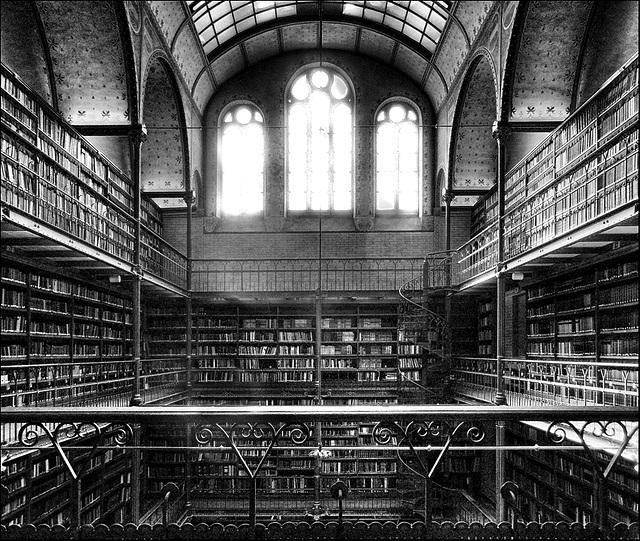 Library | Bibliothèque