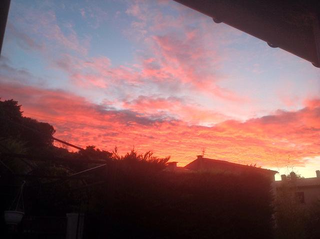 Ciel de feu dans l'Aude