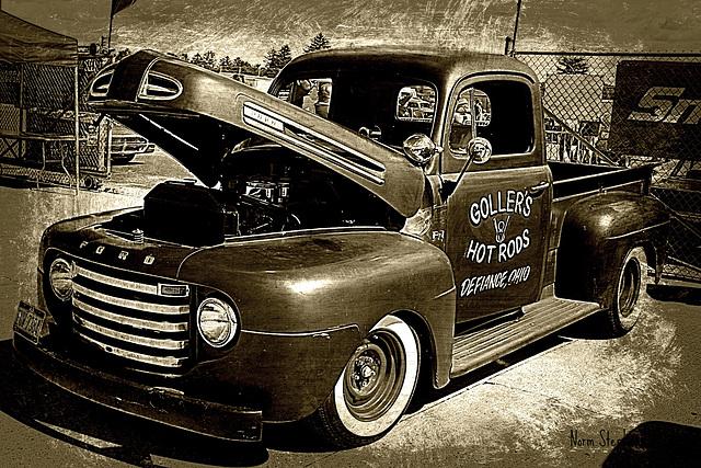 Goller's Garage