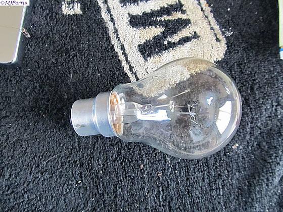 04 lightbulb