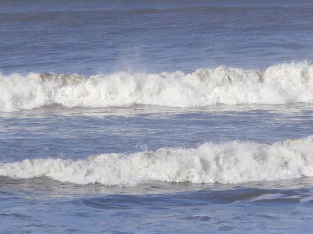Waves looking good