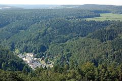 urbeto en vasta perspektivo (Städtchen im Weitwinkel)