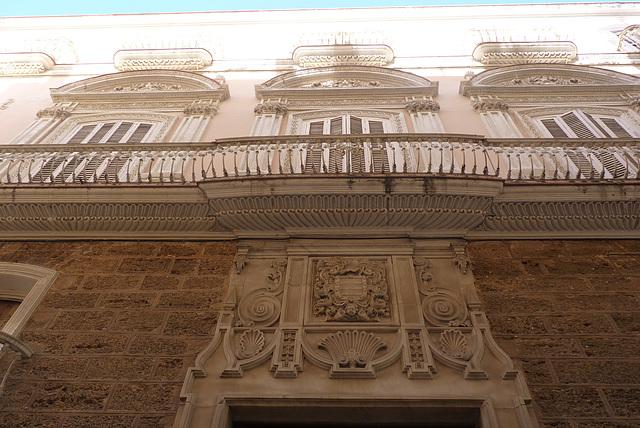 Cádiz, balcones de rango y solera