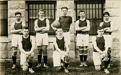 Seniors Basketball Team, 1919