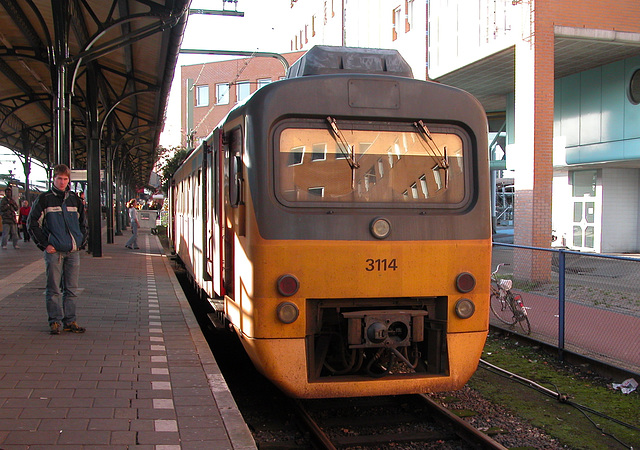 Trains of the North of the Netherlands: the old 3114