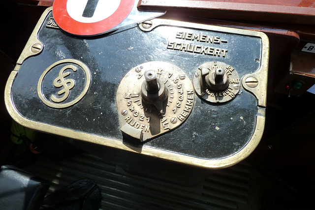 Control panel of the Blue Tram A327