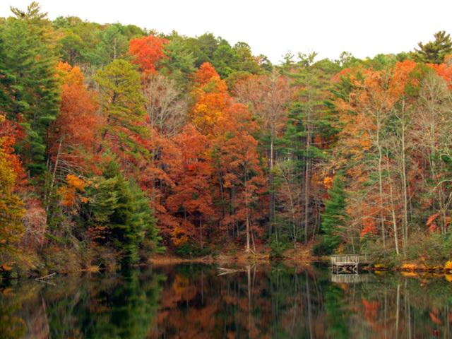 Smith Lake in Autumn