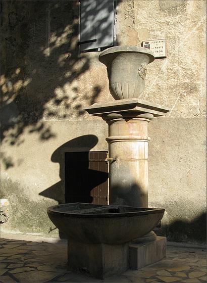 fontaine de Lorgue  (Var)