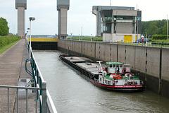 Ship Greifenstein from Heilbronn in the Prins Bernhardsluizen (Prince Bernhard Locks)
