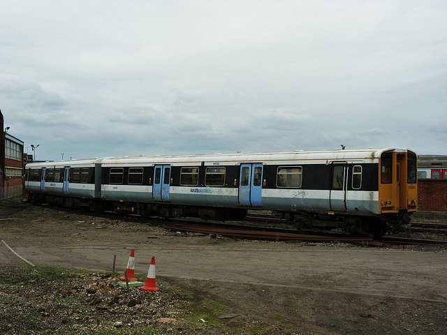 508210 at Eastleigh (2) - 11 October 2013
